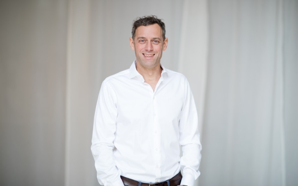 Chiropraktiker Marc Raffelsieper ist Spezialist für Rücken & Wirbelsäule